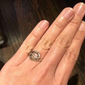 Tiffany & Co ring (by Elsa Peretti) size 4.
